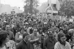 On October 14, 1976, thousands of Hamilton workers joined others across the country in a general strike against wage controls that placed ceilings on private and public-sector incomes in a period of high inflation. Many of them marched on the streets and congregated outside city hall, 1976. Courtesy of The Hamilton Spectator Collection, Local History & Archives Department, Hamilton Public Library.