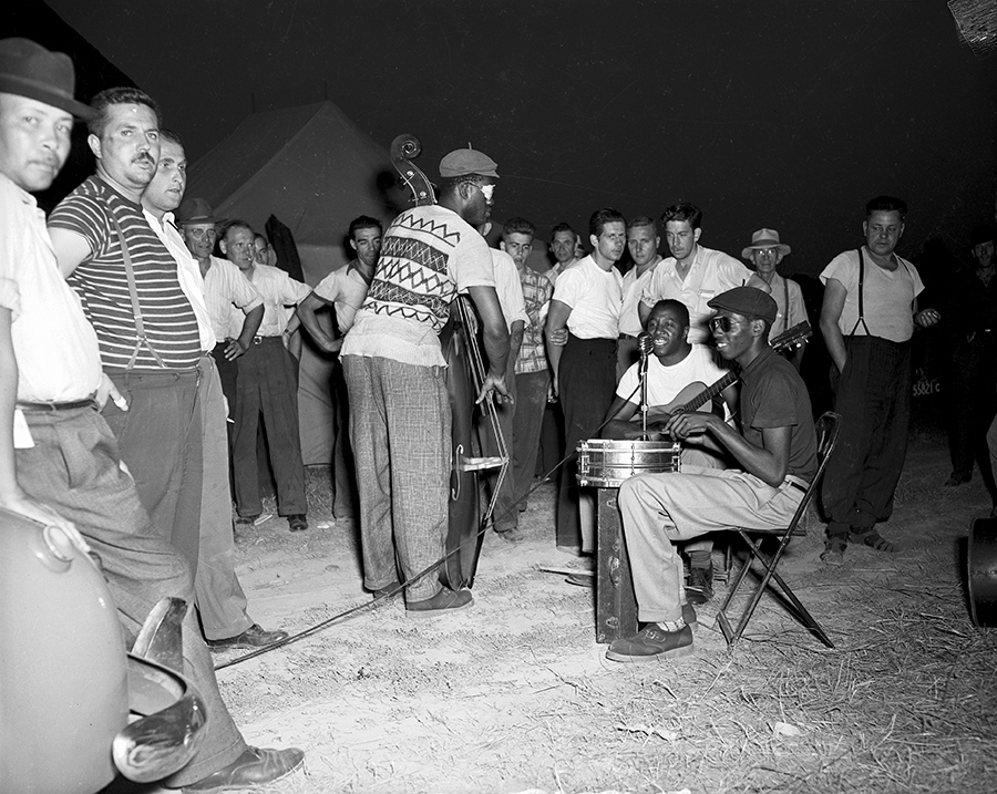 1950 - Musicians entertaining on picket line